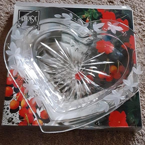 """Mikasa garden terrace crystal heart dish 13"""" EUC"""